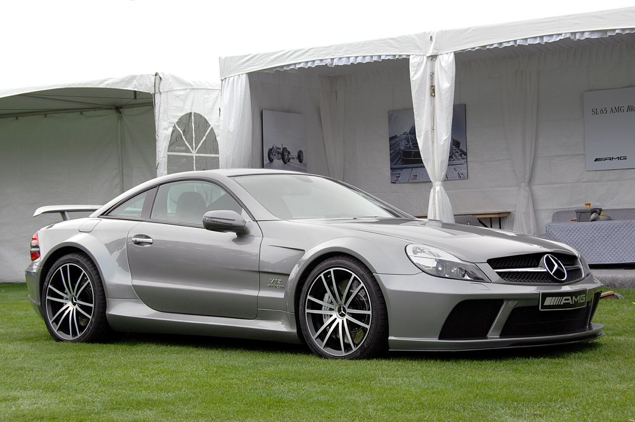 Live pictures of the mercedes benz sl65 amg black series for Mercedes benz series