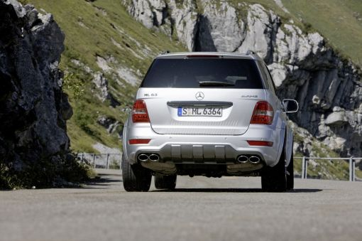 2009_mercedes_benz_ml_63_amg_10th_image002