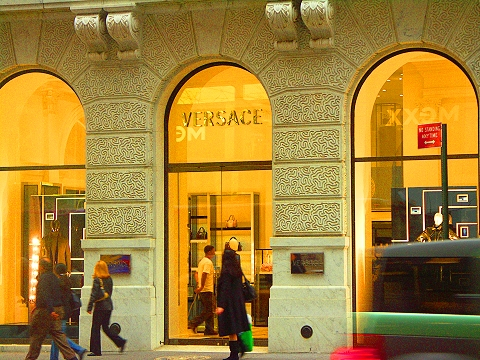 ny_5th_avenue_shopping_versace_01_133