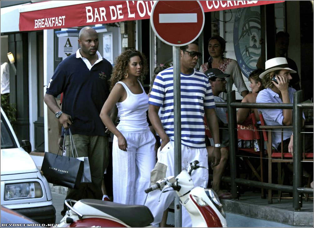beyonce-and-jay-z-visit-st-barts4