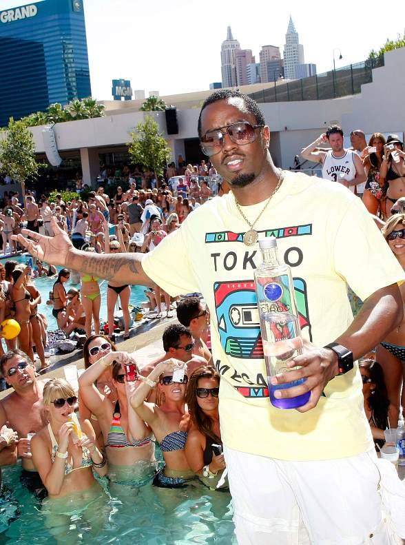 diddy-at-wet-republic-5881