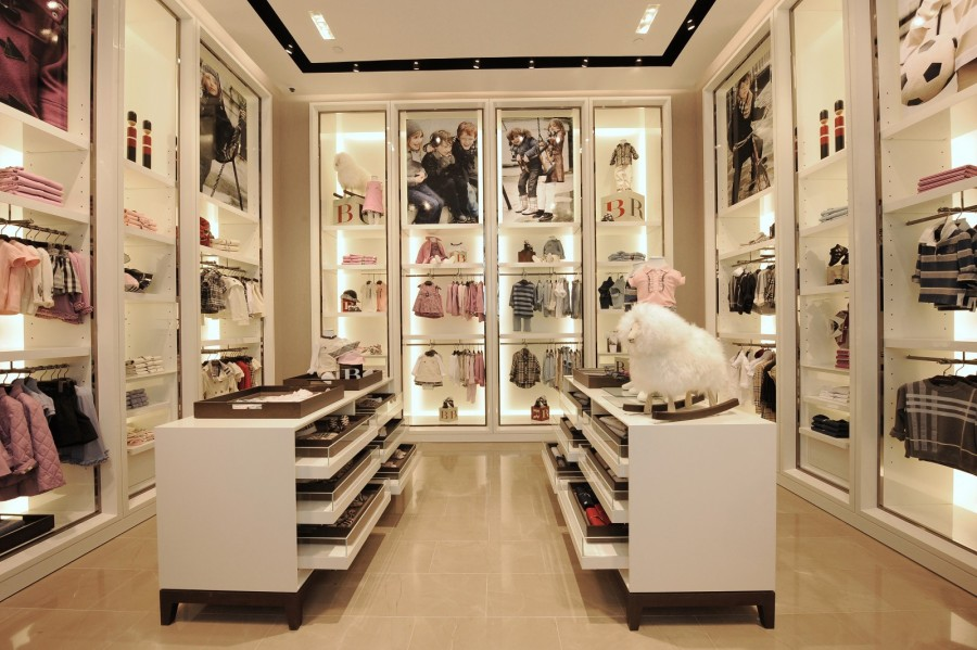 Burberry opens new store in Singapore 06